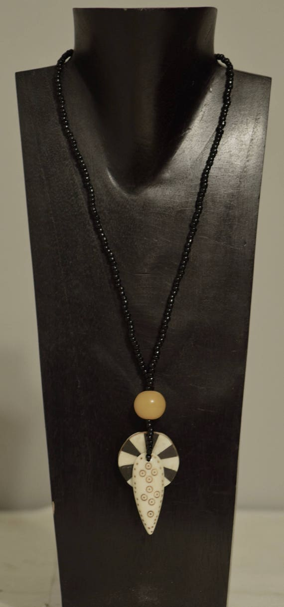 Necklace Philippine Inlaid Shell Amber Spear Pendant Handmade Jewelry Amber Bone Spear Black Glass Necklace