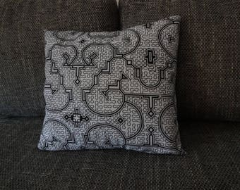 Pillow cover with Shipibo patterns