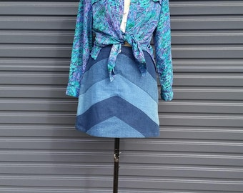Vintage Abstract Ocean Print Blouse in Blue, Purple and Green