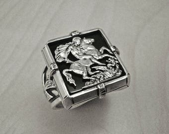 Mens signet ring,St George ring,mens silver ring,signet ring,cross ring,medieval ring,st george mens ring,chevaliere homme,bague homme