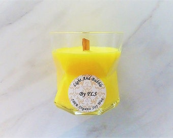 Yellow soy candle - wooden wick - Citrus fragrance