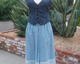 1960's chambray prairie skirt with ethnic with embroidery along bottom hem HAS POCKETS M/L