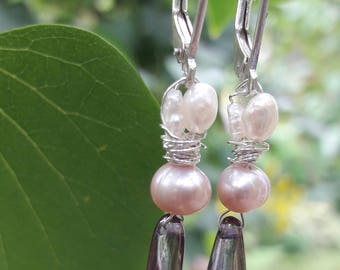 Earrings by silver with freshwater pearls and glass pegeltje