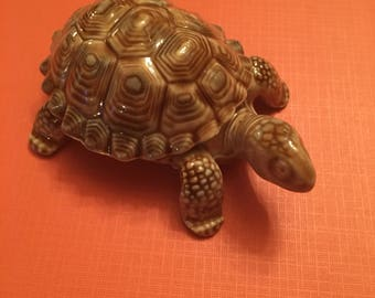 Wade porcelain turtle trinket box