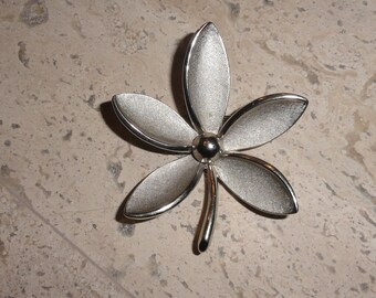 Vintage Signed Brushed and Polished Crown Trifari Flower Brooch Pin DIY Bridal Bouquet SHIPS FREE