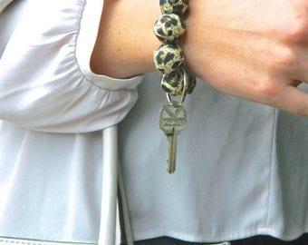 Keychain Bracelet, Bracelet Keychain, Beaded Keychain, Key Wristlet, Handsfree Keychain, Bracelet for Keys, Keychain Jewelry, Leopard