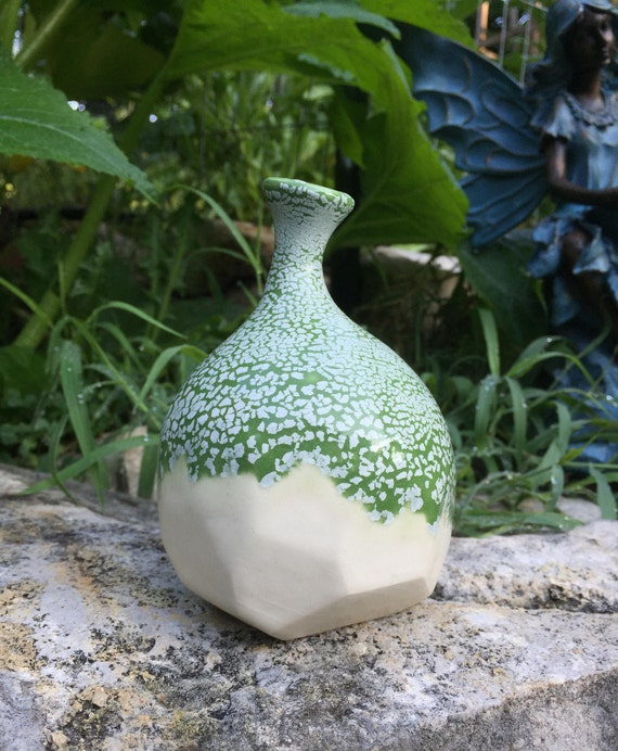 bright green and white crackle bud vase/weed pot