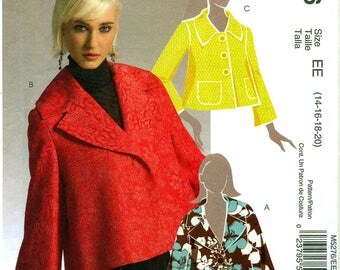 McCall's 5276 Loose Fitting Jacket Back Pleat Sizes 14 - 16 - 18 - 20 Bust 36 - 38 - 40 - 42 ©2006