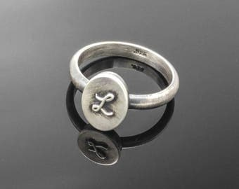 ASHES altar RING. PERSONALIZED with cursive letter or symbol on top. Oxidized solid sterling silver ring with ashes inside. Immortal Love.