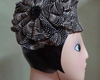 """Vintage Black and White Polyester Fabric Pill Box Hat Made in Taiwan R.O.C. Top Maroon Velvet Red Lining Inside Circumference 22"""""""