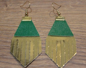 Holiday Titan Leather Earrings - Shiny Gold and Green