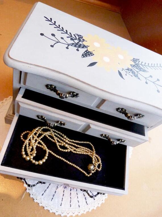 Upcycled vintage wood jewelry box, hand painted, grey, boho spirit