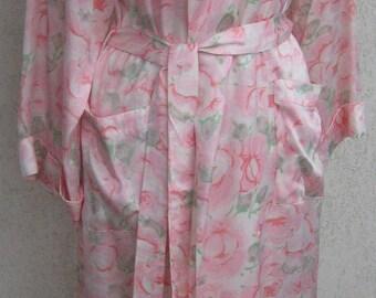 Fenwick, Bond Street, LONDON - PURE SILK Long Robe, Dressing Gown. Luxurious long silk robe. Pale pink floral design. Size Medium.