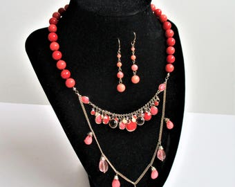 Beaded Necklace Set Red Beads Coral Peach Color Glass Beads Vintage Fancy Knotted Necklace Earrings Gold Chain Fashion Necklace