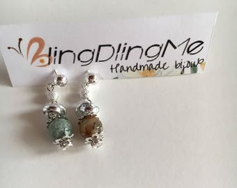 Earrings with faceted beads of agate