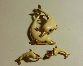 Summer Sale Vintage Costume Jeweler Dolphins Pendant and Earrings set