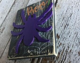 halloween signs, halloween decor, spiders