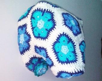 Crochet polar bear trophy