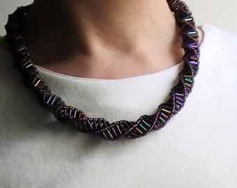 Medium length beaded necklace long Chameleon