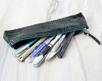 Leather pen case, Leather pen holder, Pencil case, Leather pen bag, Green pencil case, Makeup brush bag, Leather zipper case, Zipper pouch