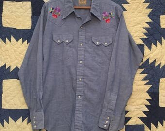 Vintage 1960s Dee-Cee Embroidered Chambray Western Shirt Mens Medium