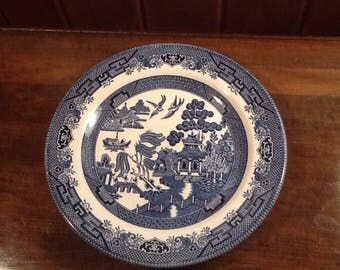 """Vintage, Blue Willow, 10""""  Dinner Plate, Churchill, England, collectible, country, cottage, oriental"""