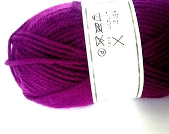 1 skein yarn acrylic yarn to knit plum purple