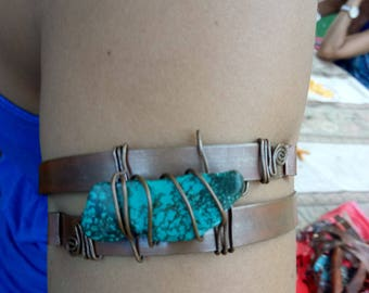 Turquoize copper hand made arm band fit to size one of a kind