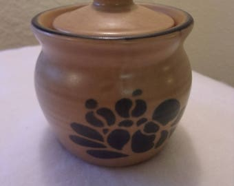 Pfaltzgraff,Folk Art pattern,sugar bowl,022,made in USA,earth-tone with blue,farm house,kitchen,dining,serving,stoneware,1980's pattern