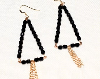 JANE black triangle earrings