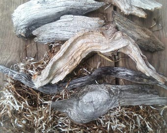 Decorative driftwood pieces, various sizes and shapes, wooden pieces, rustic, boho, natural decor