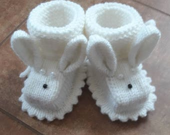 Knit newborn baby bunny booties/ yellow Easter baby shoes/Newborn photoprops/ white/  baby shoes/Handmade/baby shower gift