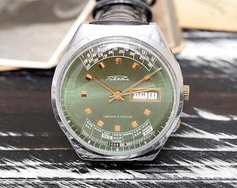 Vintage Green Raketa Rocket Calendar College Russian Soviet Men's Watch with strap