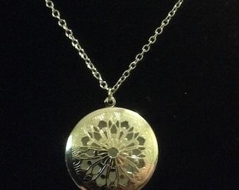 Filigree Celtic design round essential oil diffuser necklace, photo locket, Perfume locket