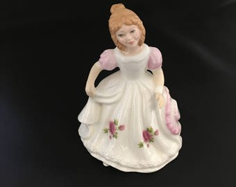 Royal Doulton Figurine , Pretty Ladies November  HN3328, R. Tabbenor, English porcelain, English Figurines