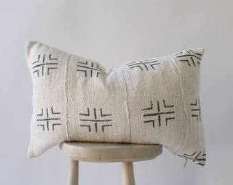 Authentic African Mudcloth pillow 'Odian in Gray'