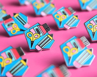 Pin 'True Creative' // hard enamel pin for all creatives - lapel pin - pin badge - creative people - gift for her - creative badge - present