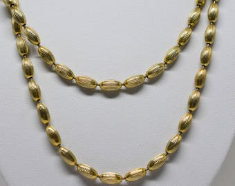 Gorgeous gold tone necklace