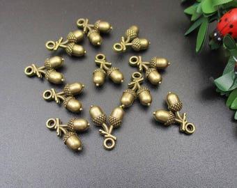 10Pcs 12x15mm Bronze Acorn Charms - p1684-A