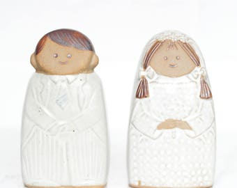 Mid Century Stoneware Bride and Groom Salt and Pepper Shakers / Wedding Gift / Wedding Decor