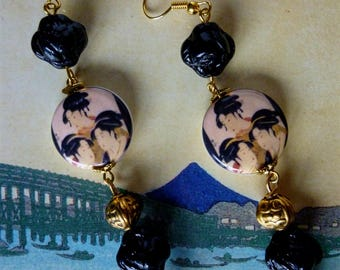 "Earrings style Japan ""MEIJI"" illustrated porcelain Geisha, golden metal beads, black Czech glass"