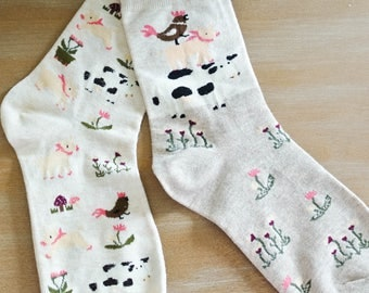 Barn Animals and Flowers Mix and Match Crew Socks/Gift for Teen/Gift for Friend/Cotton Blend/Comfortable/Gift for a Girl/Beige/Pigs/Cows