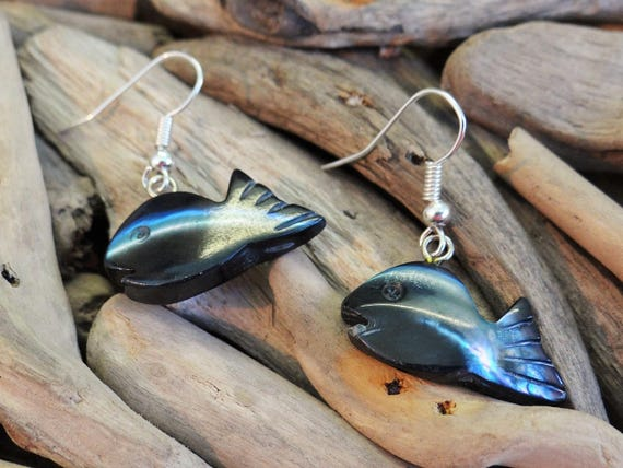 Black Natural Mother Of Pearl MOP Hand Carved Shell Seashell Fish Earrings Ear Rings Dangle Drop Hooks Mermaid Dyed
