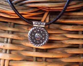 Silver MANDALA pendant with natural lapis lazuli 4 mm cabochon.