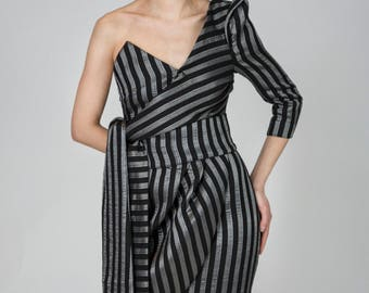 Taylor Striped Cotton Dress with Waist Belt, Heart-shaped Neckline and a Buffon Sleeve by Other Theory, 18AW0151