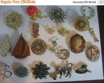 Summer Sale 21 Beautiful Vintage/Antique Brooches Many Marked