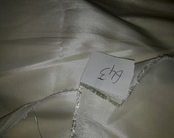 NO. 643 FABRIC IN BEIGE TAFFETA SATIN-POLYESTER LINING COUTURE