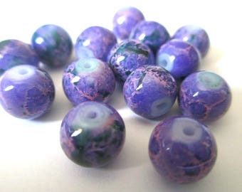 10 purple marbled purple and green beads 8mm (H-32)