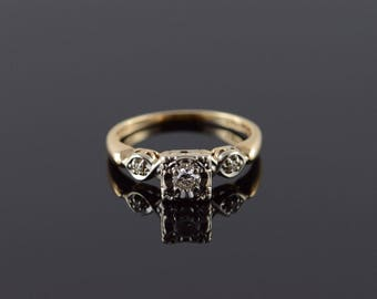 14k 1950's 0.15 CTW Diamond 3 Stone Engagement Ring Gold