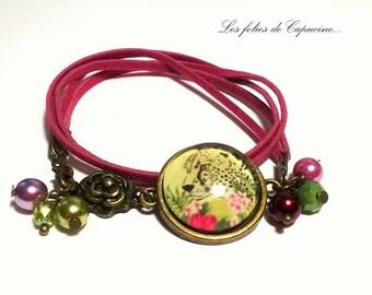 Suedine bracelet Cabochon •guepard on green •